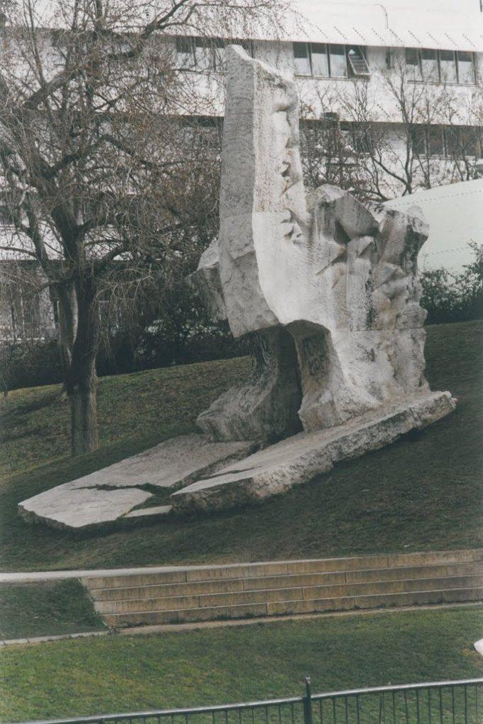Antifasiszta egyetemisták emlékműve