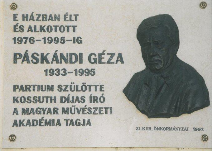 Páskándi Géza emléktábla
