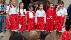 fiatal énekesek