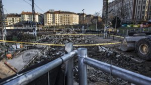 Kisebb közműmunkákkal folytatódik a Széll Kálmán tér felújítása (foto: MTI)